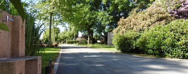 Friedhof Leubnitz 001.jpg